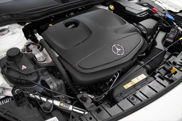 Động cơ Mercedes GLA 250 4MATIC 2017 vận hành mạnh mẽ và vượt trội