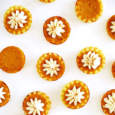 Recipe | Bite-Size Pumpkin Pies with Mascarpone Cream