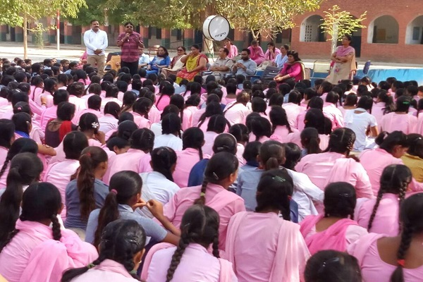 faridabad-acp-crime-rajesh-chechi-awareness-camp-in-schools