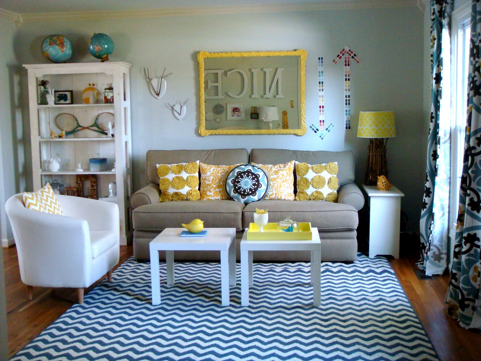 Sweet Magnolia Way: Living Room/Kids' Library
