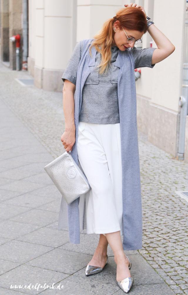 die Edelfabrik, Look, weiße Culotte, silberne Clutch von Pippa&Jean