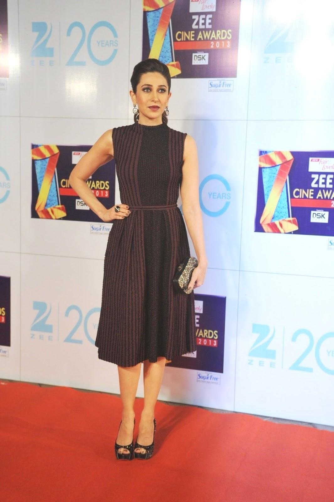 Mallaika arrora khan and karishma kapoor at zee cine awards 2013.