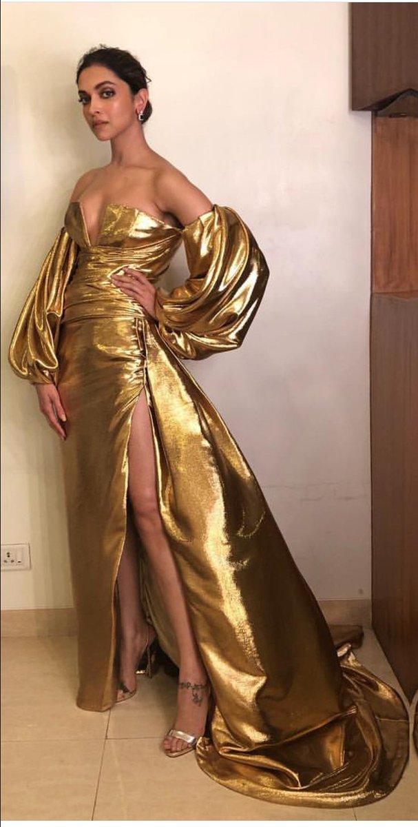 Deepika Padukone Hot at Lux Golden Rose Awards 2017