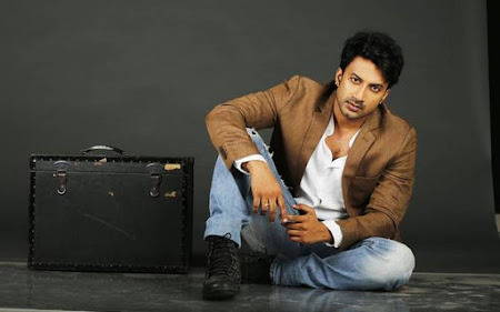 Satyadev as lead in Nithiin Power Peta HeyAndhra.com