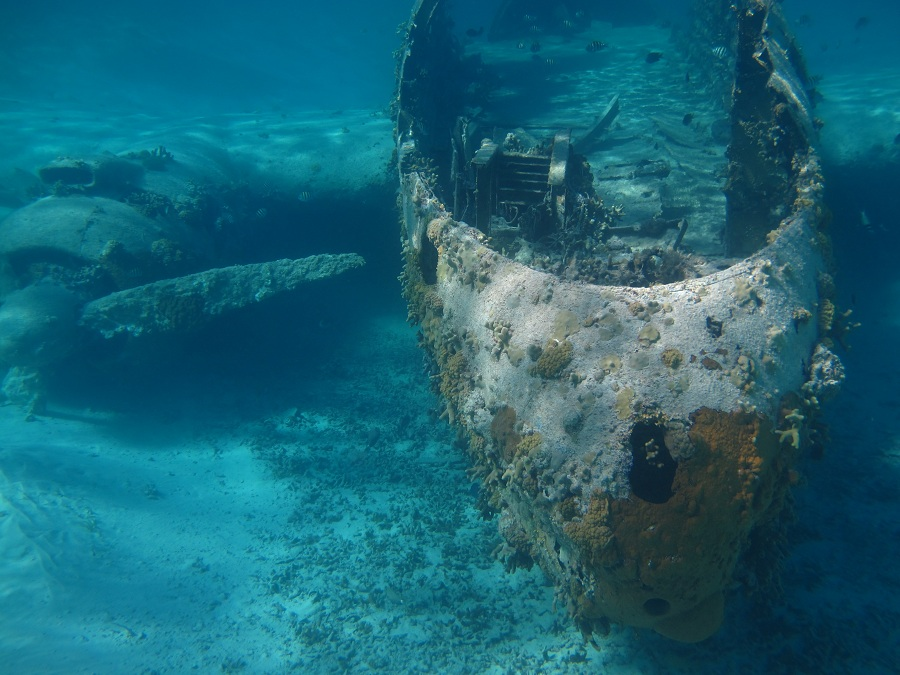 NORMANS CAY - Diving another PLANE WRECK, exploring lagoons