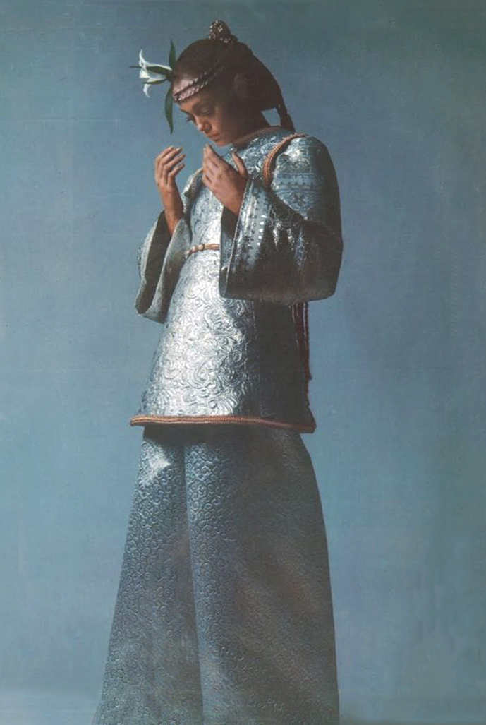 ves Saint Laurent in Vogue Paris September 1968 (photography: Guy Bourdin) via www.fashionedbylove.co.uk british fashion blog