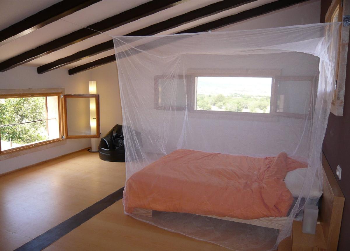 Cadeaux 2 ouf id es de cadeaux insolites et originaux une moustiquaire baldaquin pour un - Moustiquaire baldaquin pour lit double ...