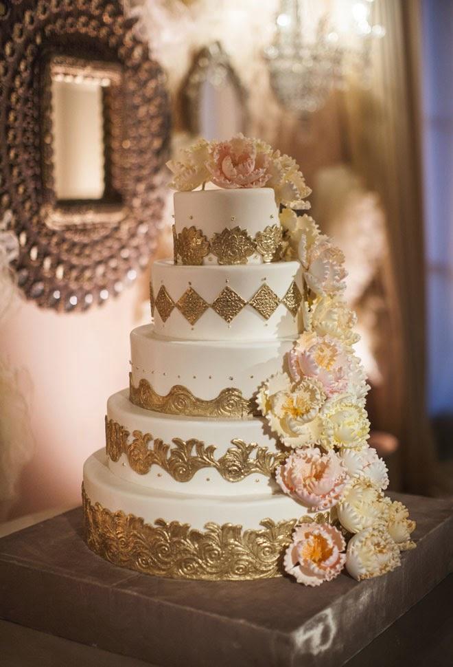 Pastry Shoes 2016 >> 12 Glamorous Metallic Wedding Cakes - Belle The Magazine