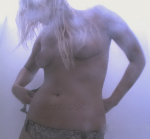 Voyeur Nudebeach 120721-31 (Girls change their clothes on the spy cam that is in the beach cabin)