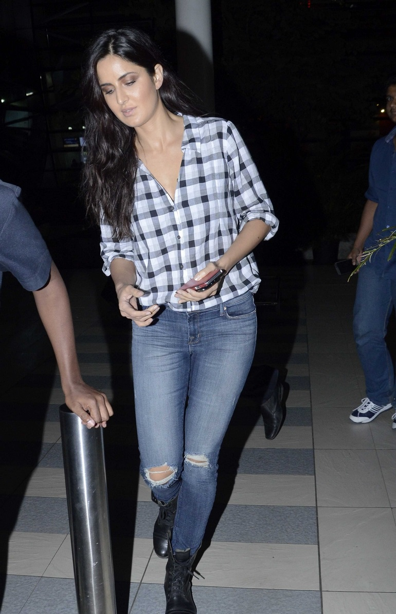 Katrina Kaif Spicy Without Makeup Images In Blue Shirt Jeans At Airport