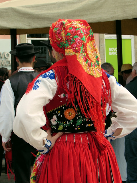 Roupa de dançarina  típica do folclore do Minho