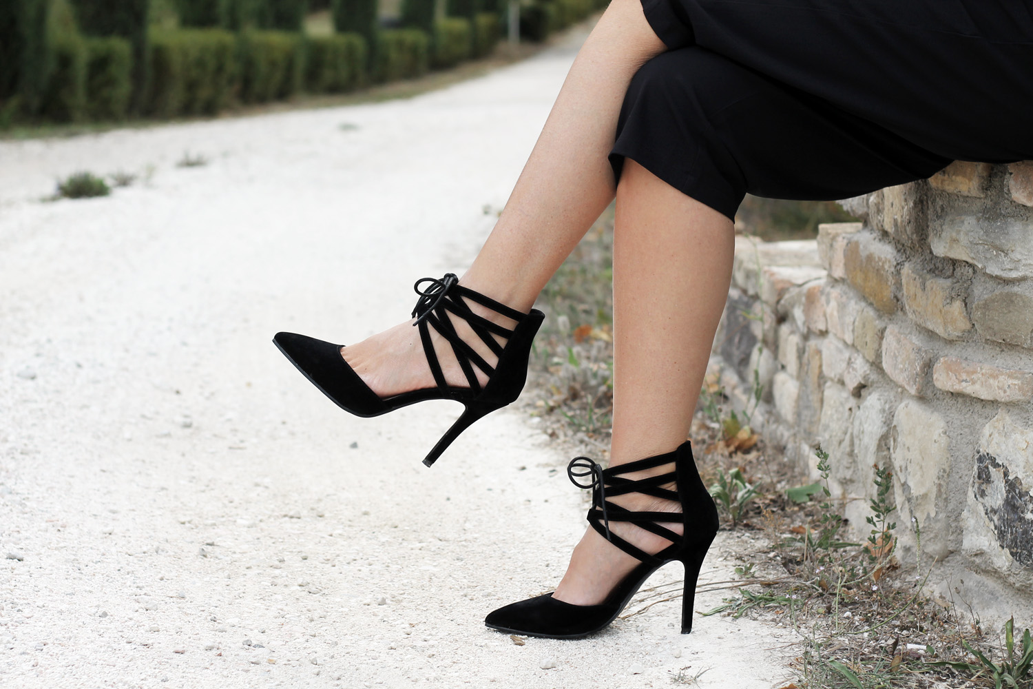 lace-up-black-heels-fashion-blogger-spylovebuy