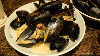 miela-tahril-mussels-with-creamy-sauce-food
