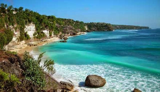 Menikmati Keindahan Pantai Labuan Sait Di Pulau Bali