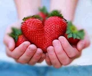 photos d'amour un cœur fraisé