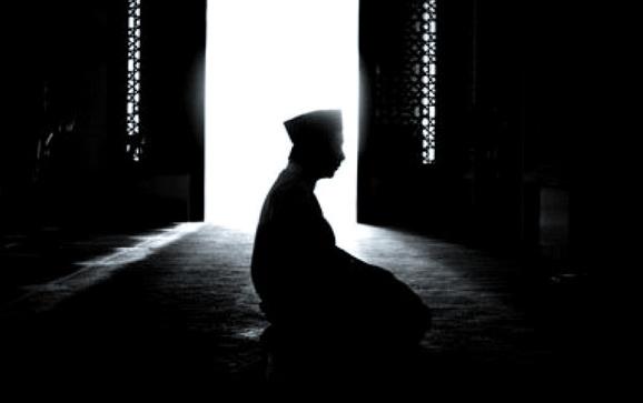 Hukum Melaksanakan Shalat Sunnah Fajar Setelah Subuh