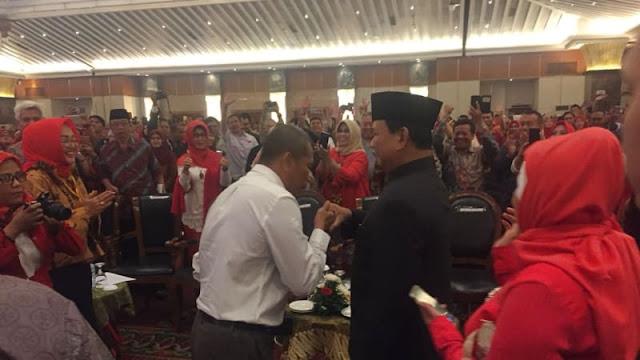 Ramai Teriakan Prabowo Presiden di Peluncuran Buku Paradoks Indonesia