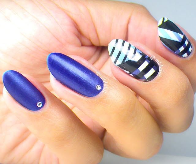 Abstract Zebra Nails