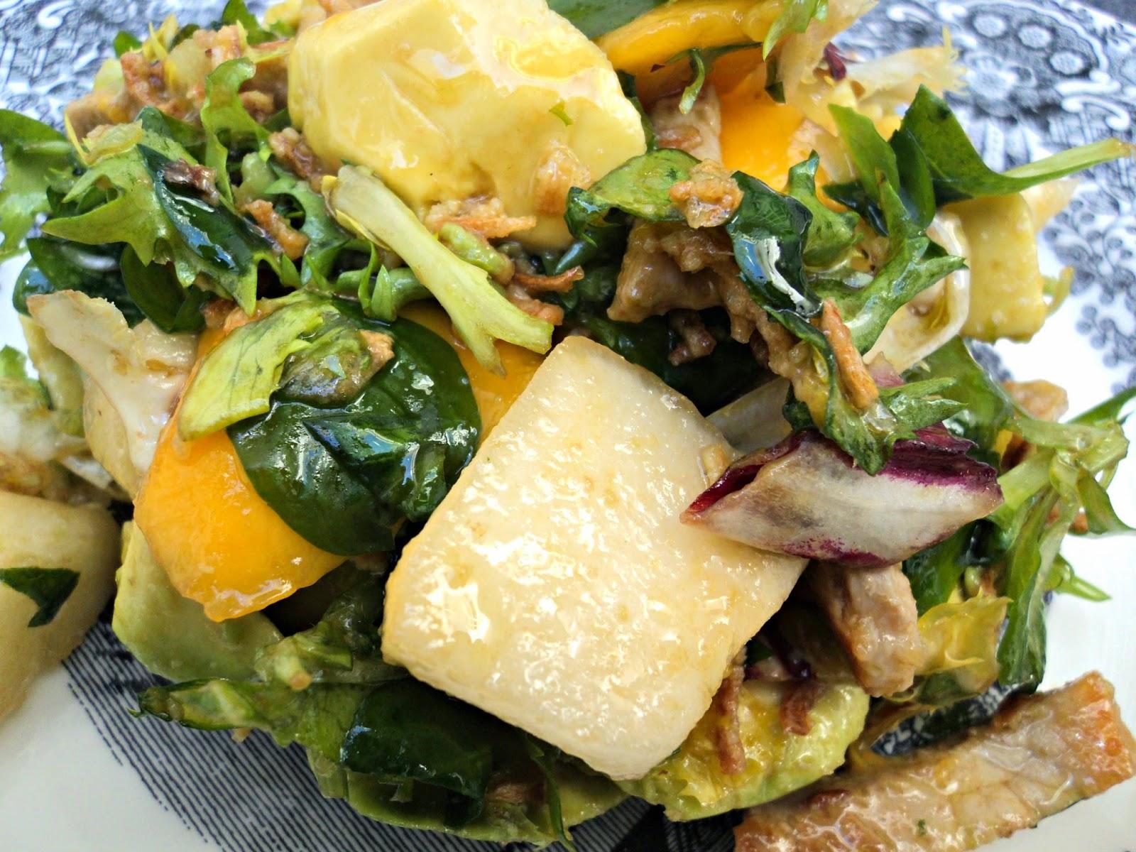 ensalada-templada-fruta-lomo-brotes