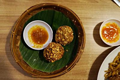 Ou ie goreng dengan cabe di Warung Kemangi