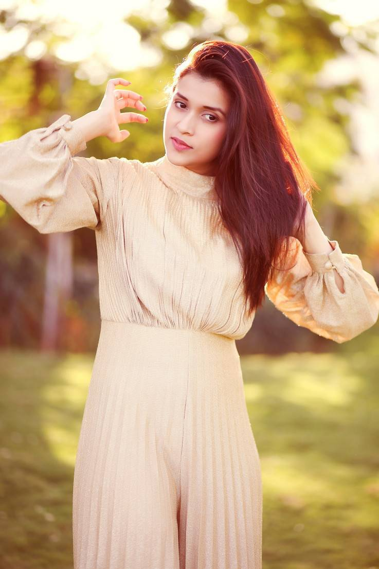 Mannara Chopra Photoshoot Stills In Cream Colour Dress -5514