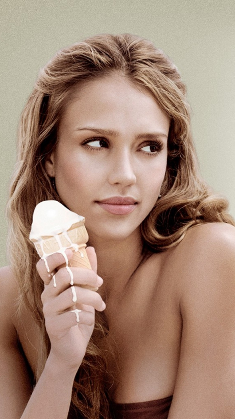 Download Jessica Alba iPhone Backgrounds