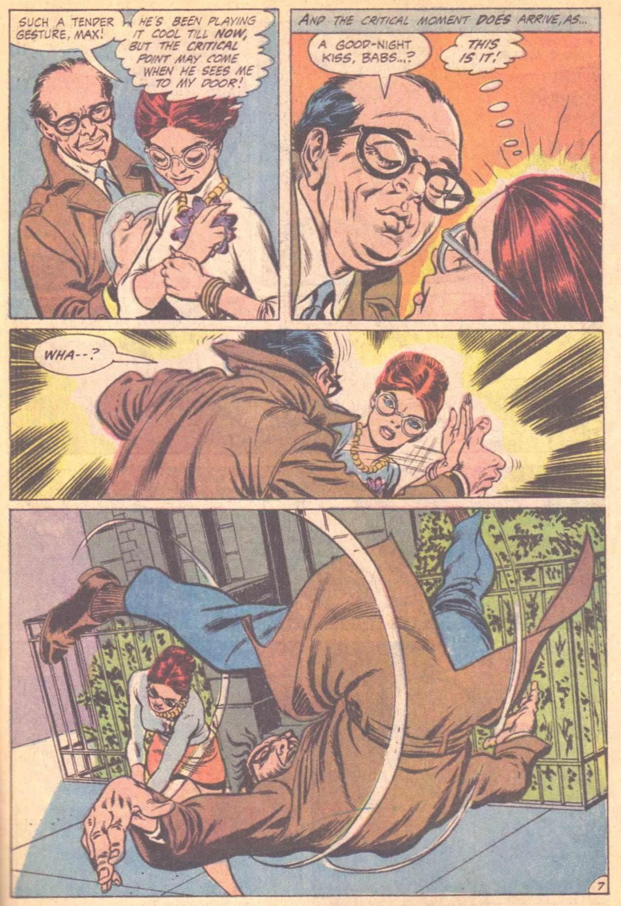 Detective Comics (1937) 396 Page 24