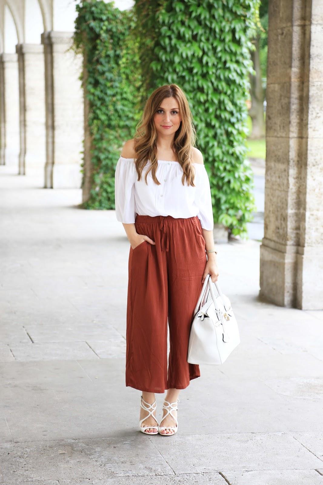 Deutsche Blogger - Deutsche Fashionblogger MyColloseum Blogger - Angesagte Trends 2016 - Was tragen Blogger aktuell - Off Shoulder Top kombinieren - Weiße Schuhe kombinieren