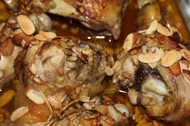Kurczak w płatkach migdałowych i czerwonym winie
