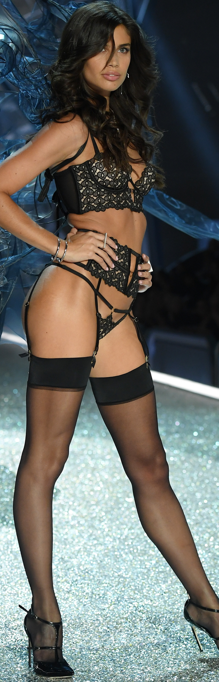 Sara Sampaio 2016 Victoria Secret Fashion Show