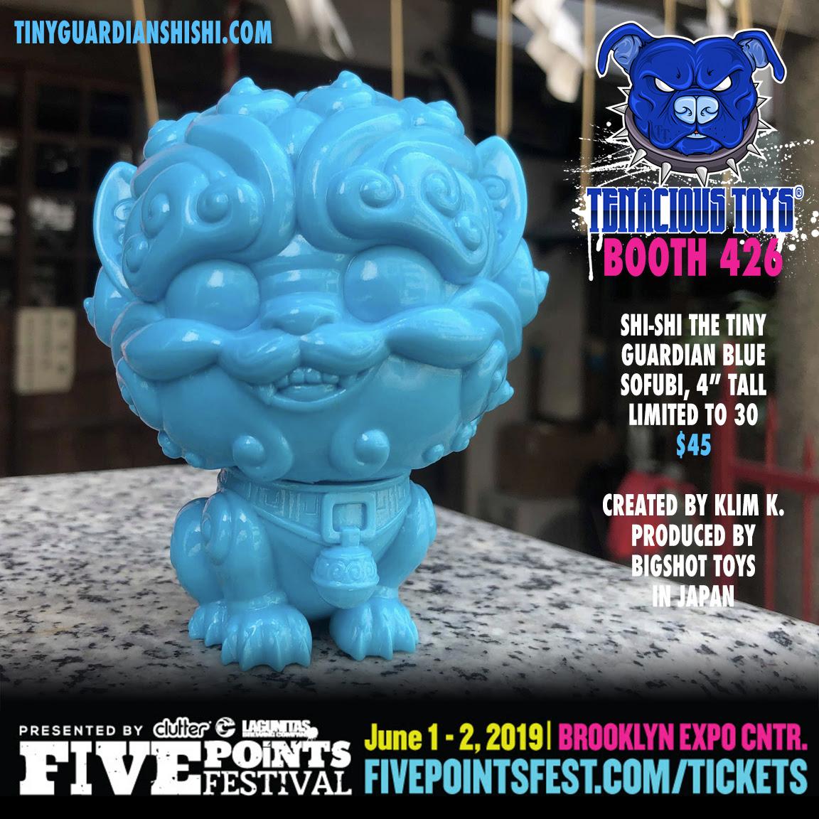 David Flores  SMILE Ball S.M.I.L.E WATER Blue sofubi figure smiley face