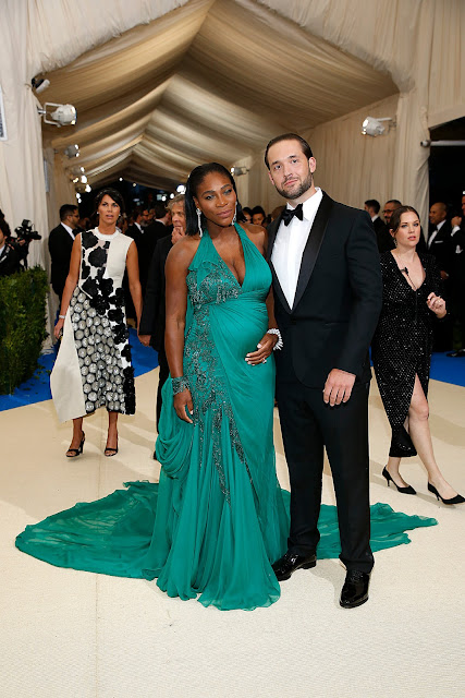 Serena Williams Amp Baby Daddy Spotted At 2017 Met Gala Red