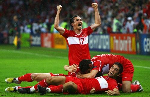 Raul Meireles: Dünyanın en renkli futbol oyuncularından birinin kariyeri