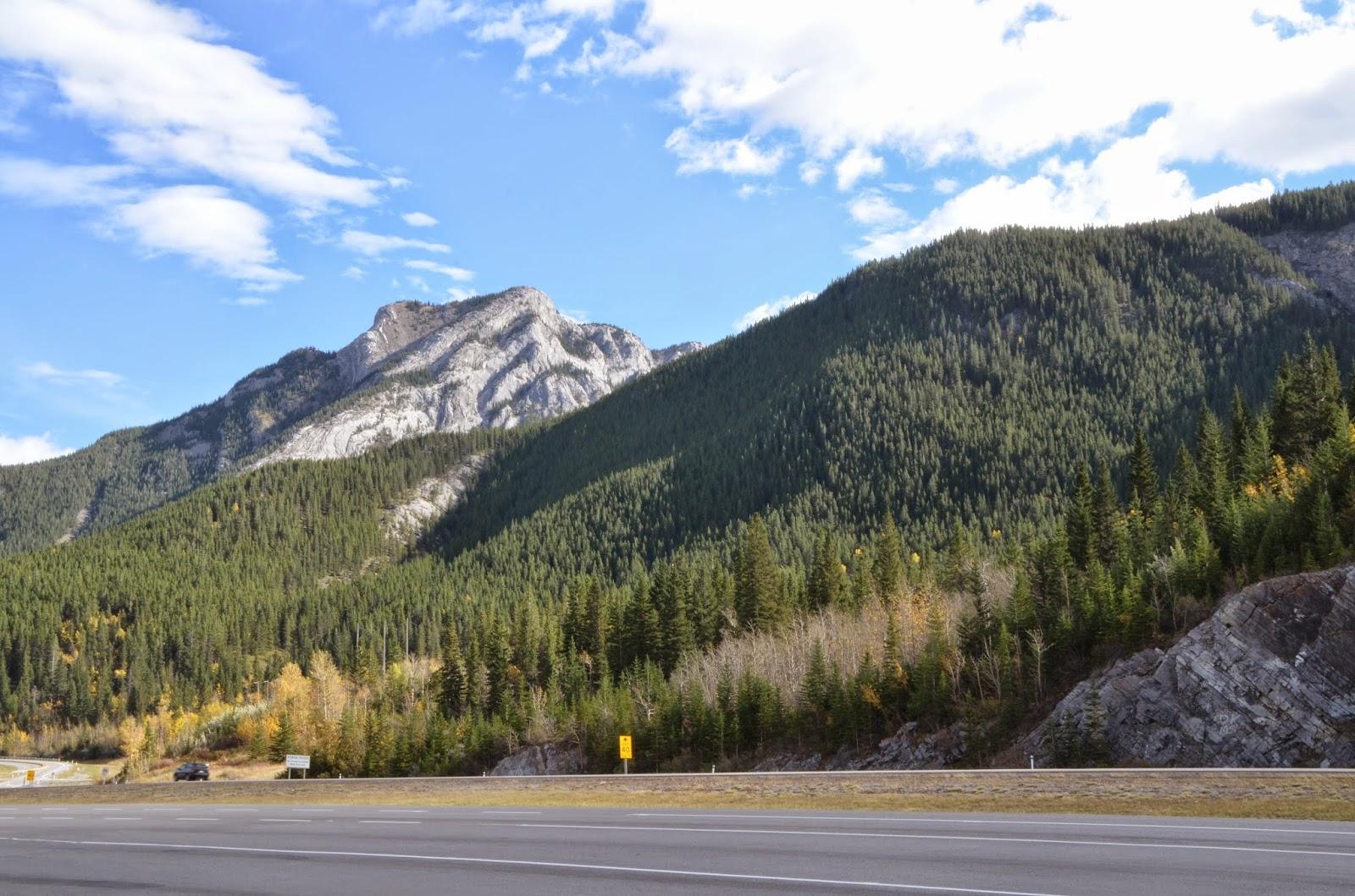 Estrada de Calgary até Banff, Canadá