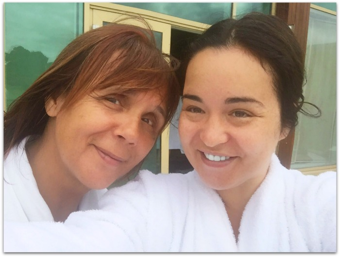 Irish blogger Fluff and Fripperies with Mammy Fluff at Dunboyne Castle Spa