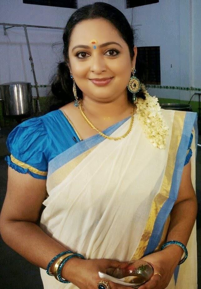 Reshmi Soman In Set Saree Photos