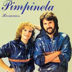 Foto de Pimpinela con traje azul
