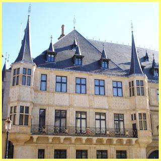 Fachada del Palacio Gran Ducal