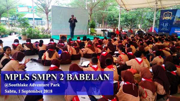 Sharing tentang media sosial di MPLS SMPN 2 Babelan