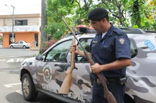 Guarda Municipal de Uberaba (MG) apreende armas em apoio a Posturas da PMU
