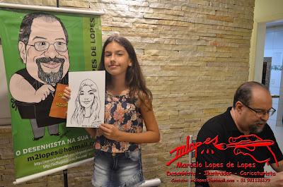 Caricaturista na festa com o Desenhista Marcelo Lopes de Lopes