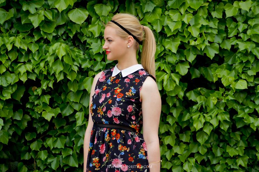 c0fd6348c6 Sukienka w kwiatki z kołnierzykiem. 35zł