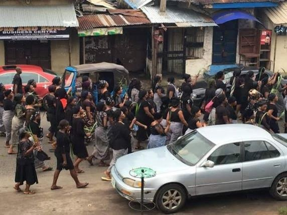 PHOTONEWS: Women protest relocation of popular market in Owerri