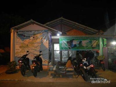 Rumah singgah gratis di depan stasiun Karangasem Banyuwangi bagi backpacker