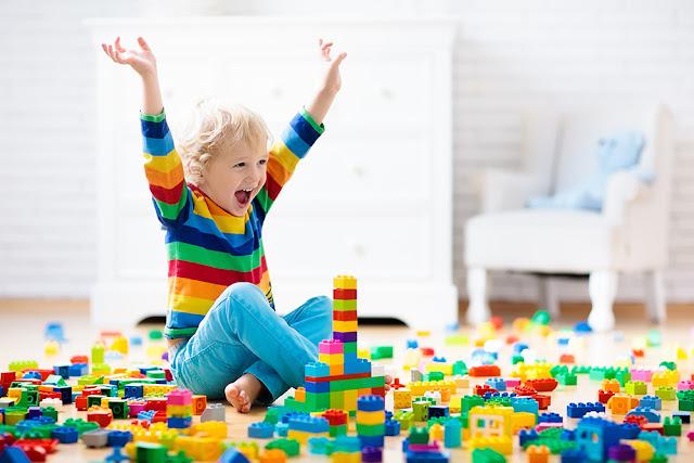 Cum ar trebui sa alegem jucariile copilului in functie de varsta