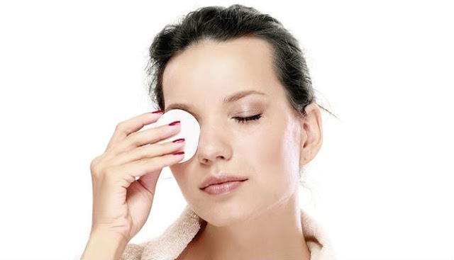 Cara Membersihkan Sisa Make Up