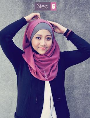 Cara memakai jilbab segi empat kreasi modis 1