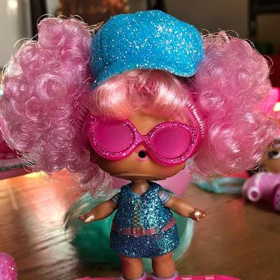 Стильная кукла Лол из большого чемоданчика