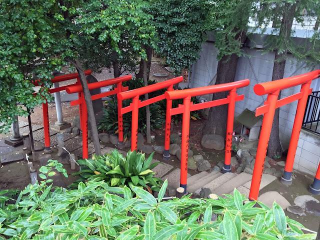 日本, 〒151-0051 東京都渋谷区千駄ヶ谷1丁目1−24 鳩森八幡神社