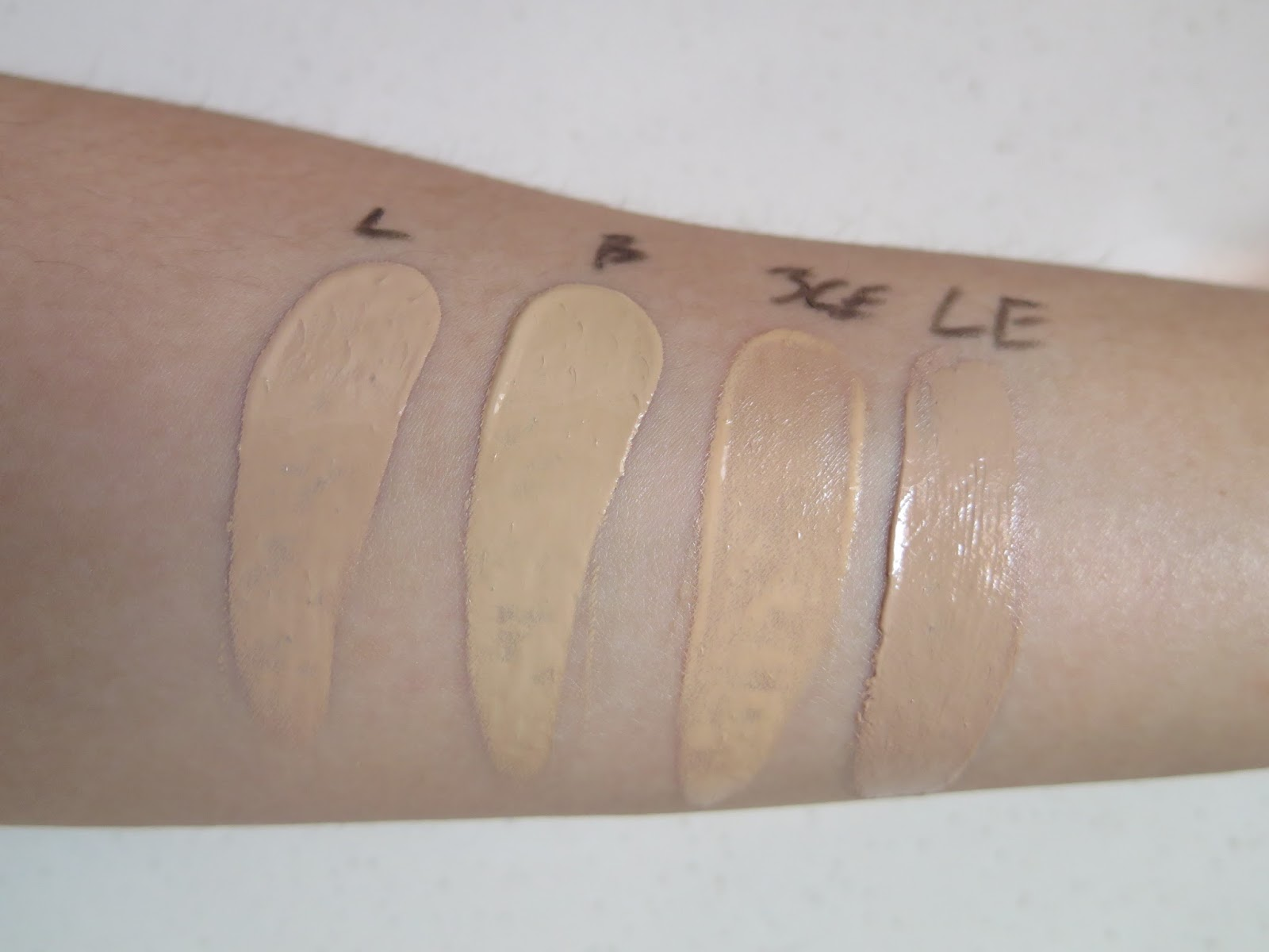 Glossing Waterful Foundation SPF15 PA+ by 3 Concept Eyes #6